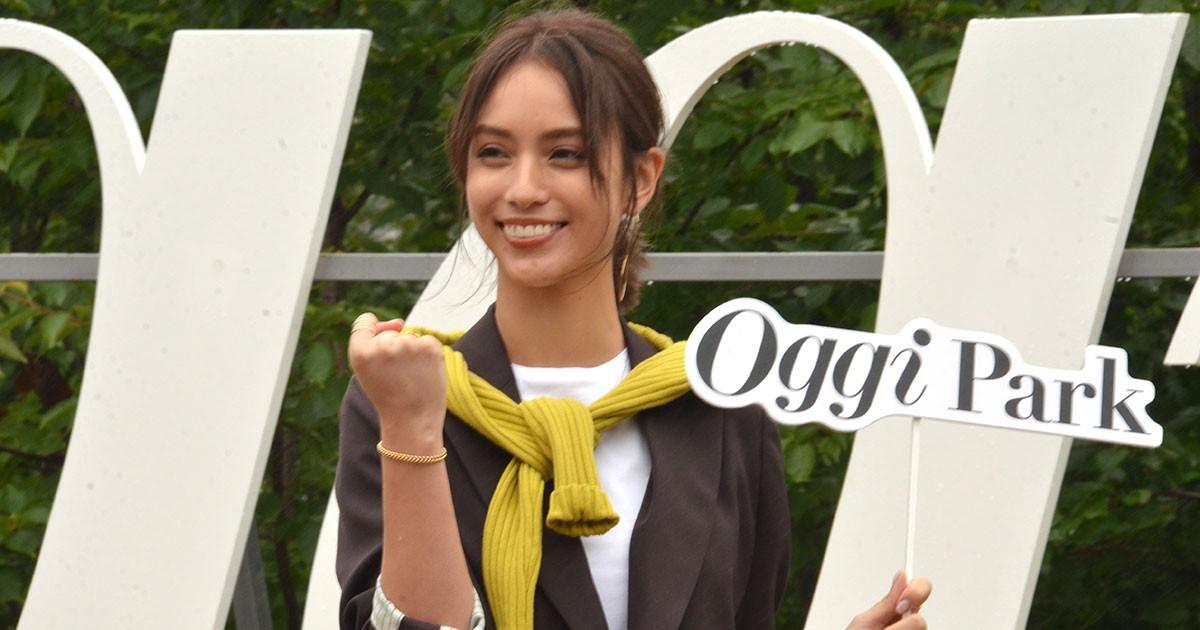 女性ファッション誌「Oggi」と日本橋三越本店がコラボ 屋上が働く女性のための「大人の公園」に 好書好日