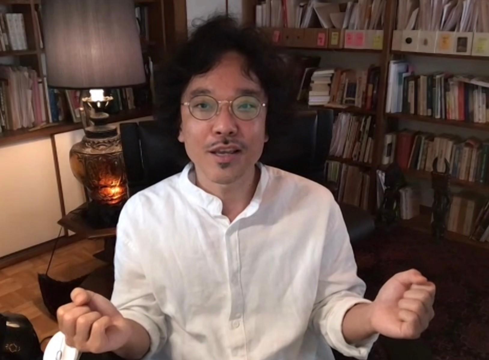 オンラインで議論に参加する竹倉史人さん
