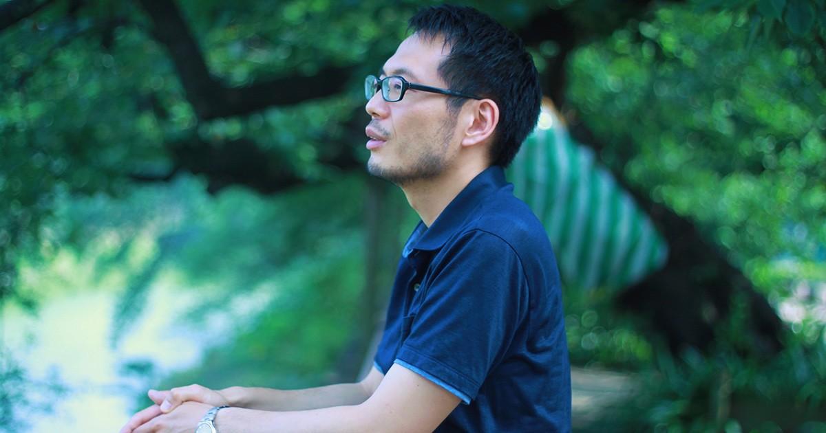 「まとまらない言葉を生きる」荒井裕樹さんインタビュー 差別・人権…答えが見つからないものこそ言葉に|好書好日