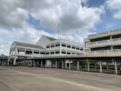 2019年度に50周年を迎えたジャカルタ日本人学校(JJS)。朝日新聞ジャカルタ支局の野上英文記者が2021年3月に南タンゲラン市で撮影。