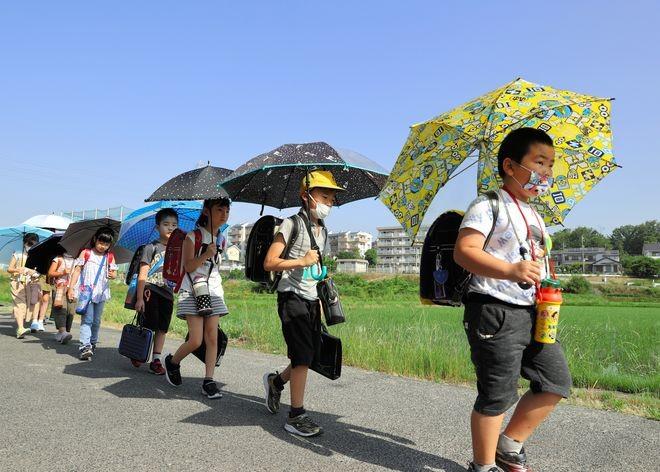 Heatstroke or COVID-19? Similar symptoms could confuse at Olympics : The Asahi Shimbun