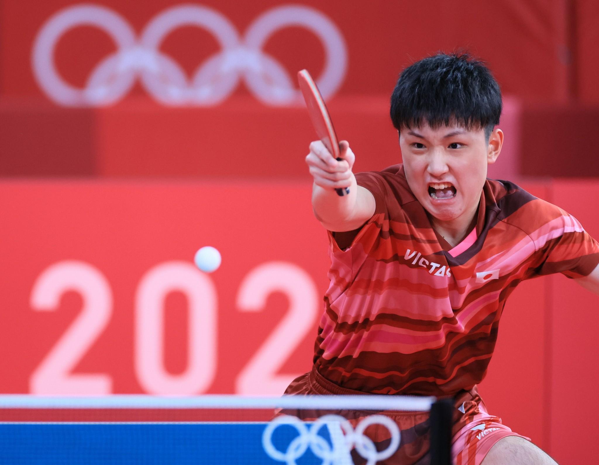 男子シングルス3回戦を突破した張本智和=7月26日、東京体育館、長島一浩撮影